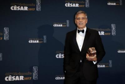"alt=""Diageo to buy George Clooney's tequila brand Casamigos for $1Billion"""