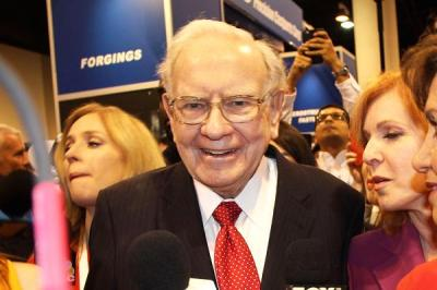 "alt=""Buffett is worth $75B but says he would be 'very happy' with $100K/year"""