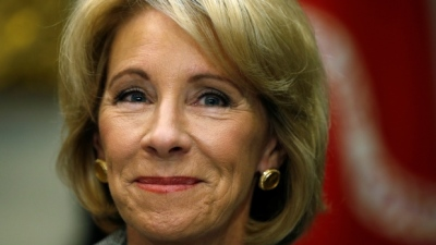 "alt=""U.S. education secretary Betsy DeVos to visit Ontario to learn about its schools"""