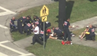 "alt=""Florida shooting: At least 17 dead in high school attack"""