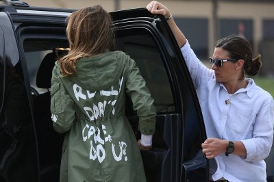 "alt=""Melania Wore a Jacket Saying 'I Really Don't Care' to Texas Shelters"""
