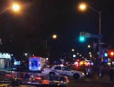 "alt=""Gunman kills 2, wounds 13 in Toronto before being found dead"""