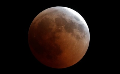 "alt=""Blood Moon dazzles star gazers in longest lunar eclipse of 21st century"""