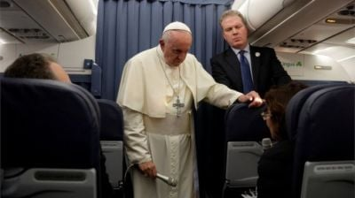 "alt=""Pope keeps silent on abuse claim letter at end of Irish visit"""