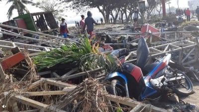 "alt=""Hundreds killed by Indonesian quake, tsunami, with toll seen rising"""