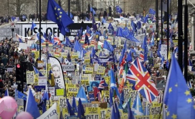 "alt=""One million join march against Brexit as Tories plan to oust May"""