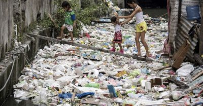 "alt=""Canada to Remove Trash From Philippines by End of June"""