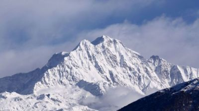"alt=""Nanda Devi: Search for eight climbers missing in Himalayas"""