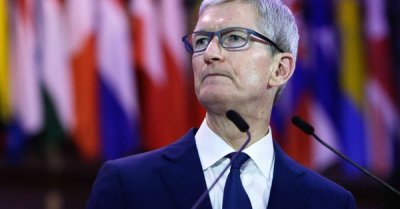 "alt=""Tim Cook: Technology companies need to take responsibility for chaos they create"""