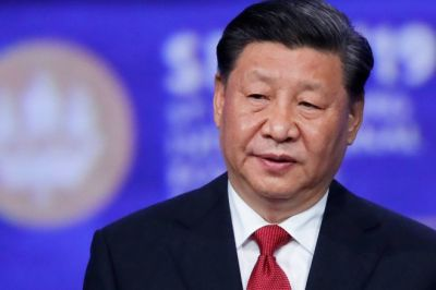 "alt=""China's Xi says the Gulf region stands at 'crossroads of war and peace'"""
