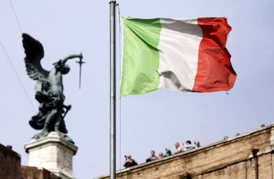 "alt=""Italy Proves How Markets Have Abandoned Logic"""