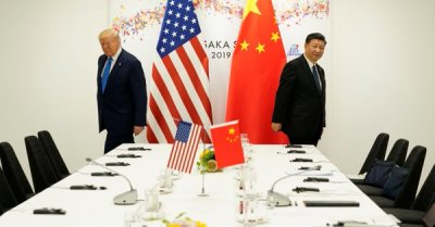 "alt=""Trade war to drag on as Trump says long way to go & China strikes hard-line tone"""